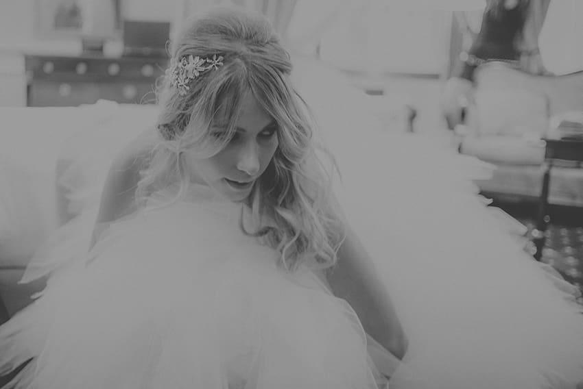 Tocado joya novia de flores de cristal - Foto Sara Lobla