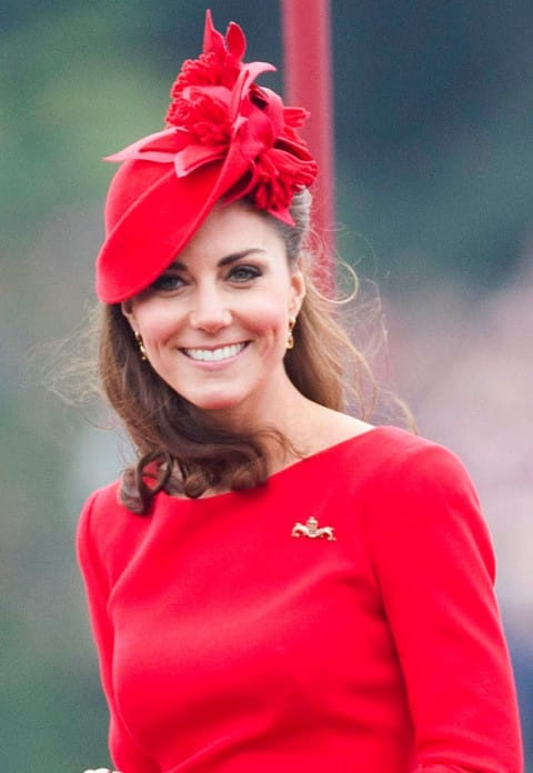 Kate-Middleton-TheDiamondJubileeCelebrations-PhilipTreacy_and_AlexanderMcQueen