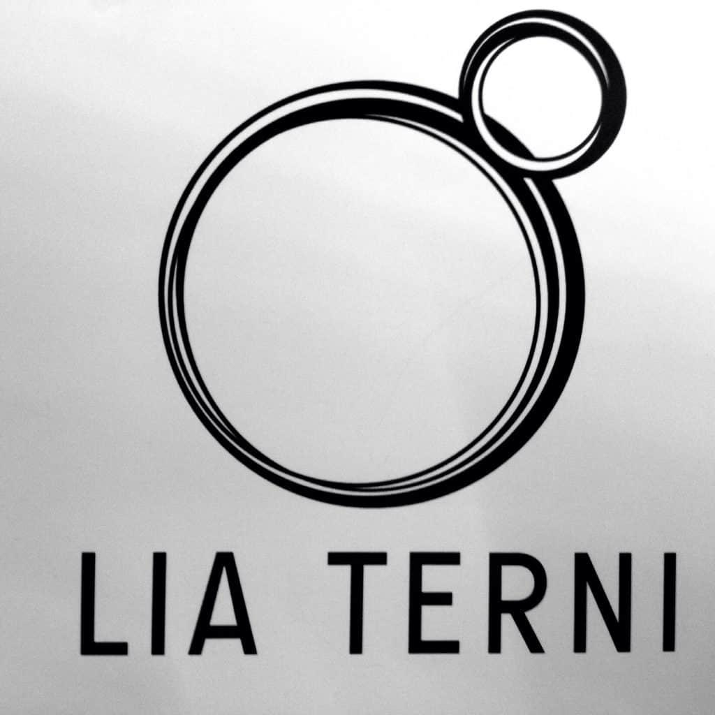Monic Distribuidor Lia Terni - Logo de Lia Terni