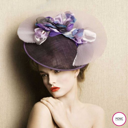 sombrero flores invitada fiesta