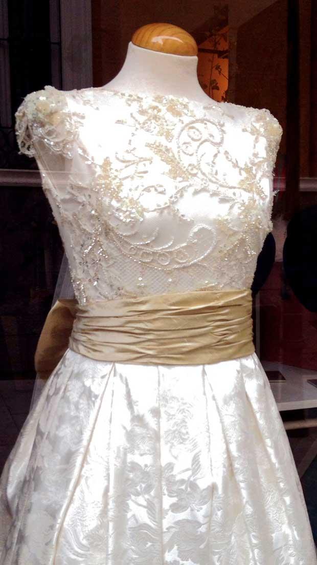 Vestido Monic de inpiración clásica