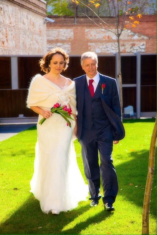 Olga con Juan felices en su boda
