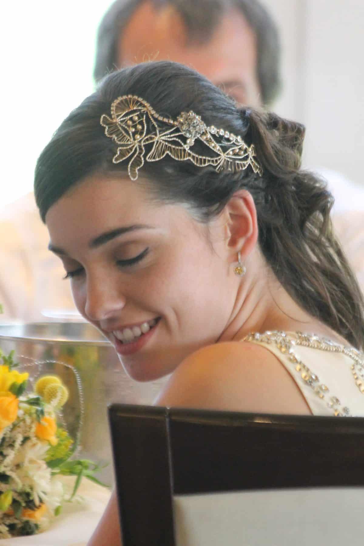 Tocado joya para novia. Retratos de novia.