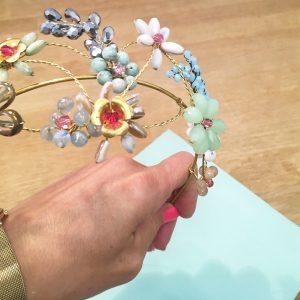 Tocado diadema de flores para boda