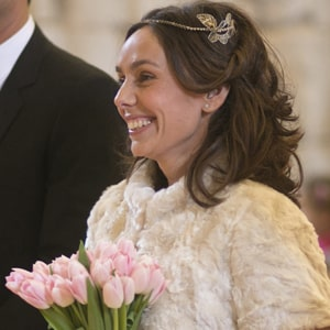 tiaras de novia con peinados de pelo suelto. modelo olivia