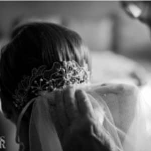 tocado para novias con velo largo de boda
