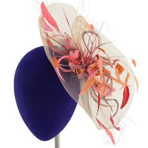 tocado con plumas para invitada y madrina de boda en madrid