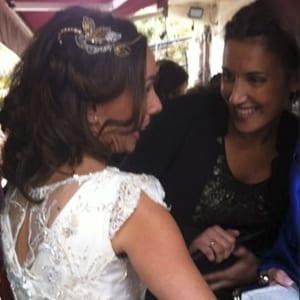 tocado para novia con pelo suelto en melena corta