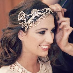 tocados de novia con pelo largo suelto para boda