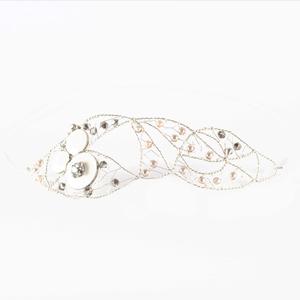 tocado en plata joyería novias con perlas de cristal Swarovski