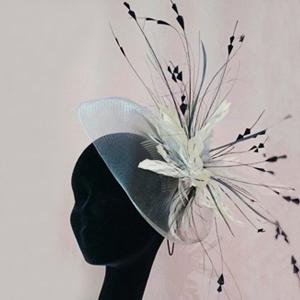 tocados grandes con plumas para bodas