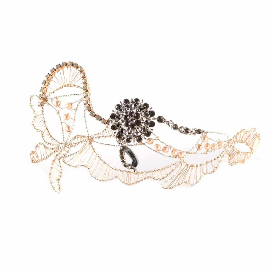 tocado joya de metal dorado y plateado con hilos de plata y cristal