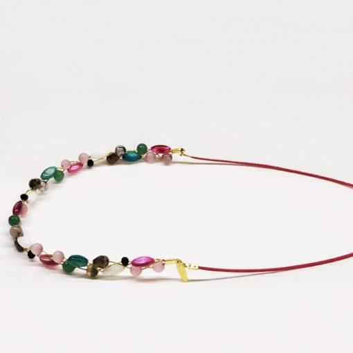 diadema con piedras y cristal verde y rosa para invitadas de boda y fiesta