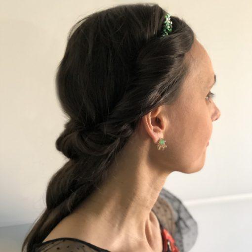 diadema tiara piedras cristal para invitadas con recogido de boda