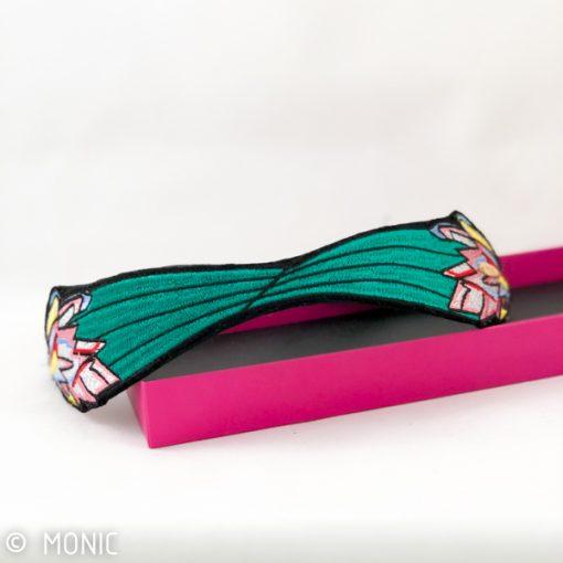 diadema de mujer invitada para pelo boda y fiesta color verde esmeralda rojo rosa