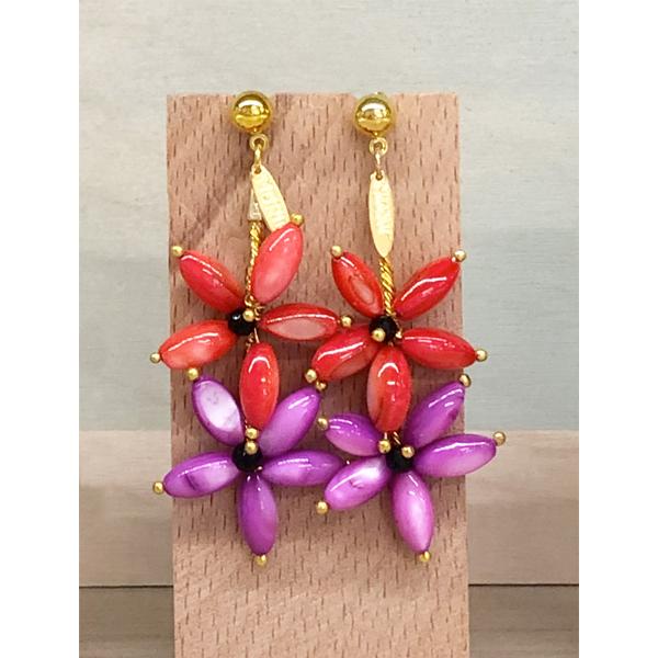 pendientes rojos y morados largos con flores para invitadas de boda