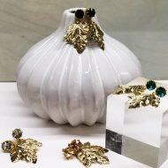 pendientes para ir de boda dorados con cristales verdes negros grises
