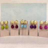 pendientes con piedra colgante en gota dorado verdeagua buganvilla y aguamarina invitada fiesta boda mujer moda