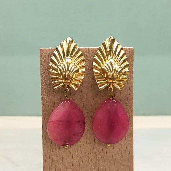 pendientes boda originales con piedras colgantes rosa rojo fresa fucsia y lágrima dorada decó
