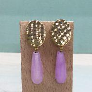 pendientes para invitadas de moda con piedras lilas moradas buganvilla y dorado